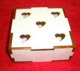 Krabička /šperkovnice/ 12x12x5 - 5 srdíček