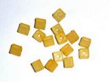 Korálky kostičky TM.ŽLUTÉ  6 x 6 mm-25ks