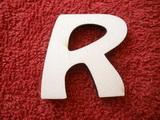 *2D výřez písmeno R v.cca 4,2cm ozd.