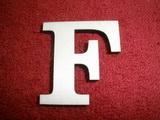 +2D výřez písmeno obyč.  v.cca 4,2cm - F