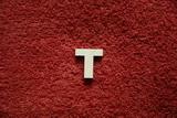 2D výřez písmeno T v.cca 2,4cm