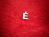 2D výřez písmeno Ě v.cca 1,7cm