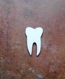 2D výřez zub čistý - 4x2,5cm