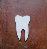 2D výřez zub čistý - 6x3,8cm