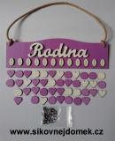 Sestava s nápisem Rodina tamavá fialovo-levandulová