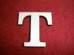 +2D výřez písmeno obyč.  v.cca 4,2cm - T - zvětšit obrázek