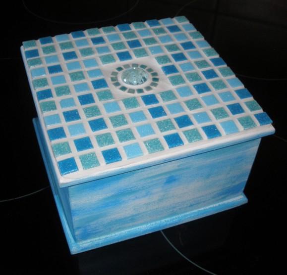 Døevìná mozaiková krabièka tyrkys