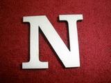 +2D výřez písmeno obyč.  v.cca 4,2cm - N