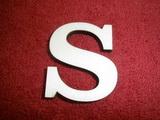 +2D výřez písmeno obyč.  v.cca 4,2cm - S