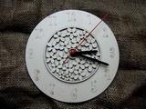 3D hodiny kulaté s kytičkovým vzorem pr. 20cm