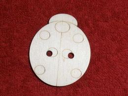 TP3D0249 - Sponka nebo knoflík BERUŠKA - 4,2x5,1cm - zvětšit obrázek