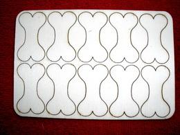 Výøez KOST 10ks v sadì- v.4,1x2,4cm