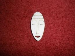 TP2D069 - 2D výøez etno motiv Maska silná malá v.4,3x2cm