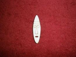 TP2D070 - 2D výøez etno motiv Maska úzká malá v.4,7x1,3cm