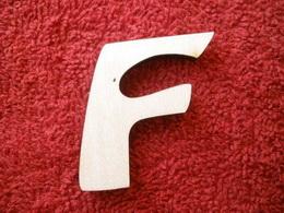 -2D výøez písmeno F v.cca 7cm ozd.