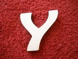 -2D výøez písmeno Y v.cca 7cm ozd.