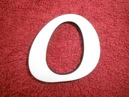 -2D výøez písmeno O v.cca 7cm ozd.