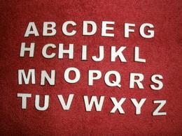 2D výøez písmeno È v.cca  2,4cm