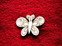 2D výøez motýlek è.3 - v.3,5x4,7cm