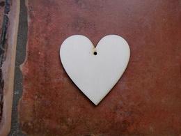 2D výřez srdce s dírkou č.1 - 9x9cm - zvětšit obrázek