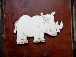 2D výřez nosorožec v. cca 6x10cm - zvětšit obrázek