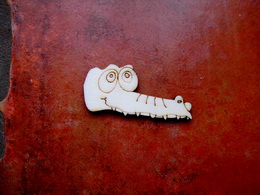 2D výřez na špejli krokodýl menší-v.2,6x5,5cm - zvětšit obrázek