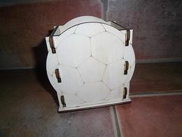 Krabièka-stojánek na tužky míè v.13x11,5x9cm