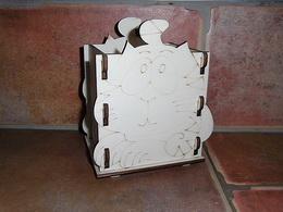 Krabièka-stojánek na tužky koèka ležící v.14x12,6x9cm