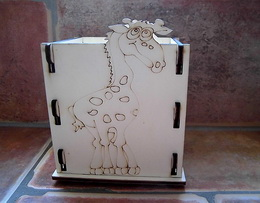 Krabièka-stojánek na tužky žirafa v.13x10,5x9cm