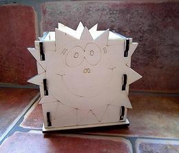 Krabièka-stojánek na tužky slunce v.12,5x13x9cm