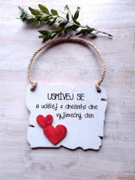 Cedulka usmívej se... 14x11cm-hnědo-bílá,červené srdce - zvětšit obrázek