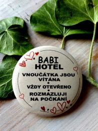 Magnet pr.5cm-SV.P., Babi hotel - zvìtšit obrázek
