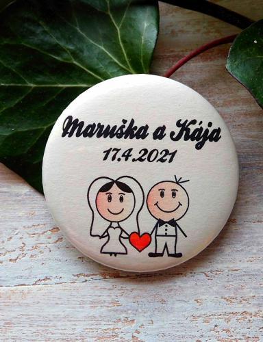 Svatební placka, button se špendlíkem, pr.5cm vzor è.9341,podklad sv.pøírodní - zvìtšit obrázek
